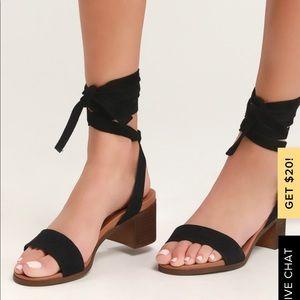 Steve Madden Black Suede Tie Block Heel Sandals
